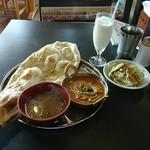 マナスル食堂 - なっちょランチセット