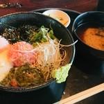 春秋 - ネギトロめかぶ丼 1,200円