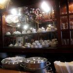 ゴールド - お店は喫茶店みたいな雰囲気