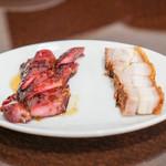 錦福 香港美食 - 焼きチャーシュー 皮付き豚バラ肉の焼き物