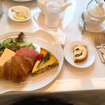 112637072 - 季節の野菜キッシュとパン1024円