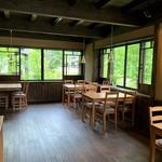 カフェミヤマ - テーブル席