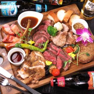 厳選したお肉の肉料理やステーキがおすすめ!