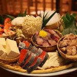 うを弘 - 料理写真:今年も寒気の強い冬になりました、そんな時は旬の食材をふんだんに使用したうを弘特製鍋で心も体も温まりませんか?