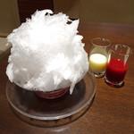 ヨックモック - 天然氷のかき氷 苺864円