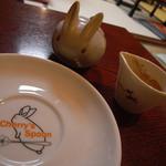 チェリーズ スプーン - お皿もシュガーポットもうさぎ!