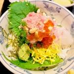 112651657 - 特選海鮮丼