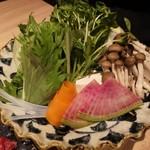新宿 個室肉会席 一二 - 野菜もたっぷり