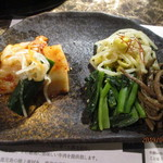 yakinikuenta - キムチ・ナムル6種盛り
