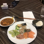 オールデイブッフェ コンパス - 朝食ビュッフェ3400円。カレーなど。カレーの具は、角煮状の豚肉とキノコです。お肉は柔らかくホロホロで、とても美味しかったです(╹◡╹) 変な組み合わせですねσ(^_^;)(笑)