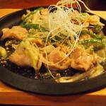 オンジェナ - 鶏ハラミと青唐辛子の鉄板焼き