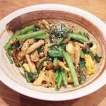 インド富士 - 季節野菜のスパイス炒め(700円)
