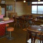 肉の斎藤 味斎 - 味斎の焼肉スペース部分です。このほか、畳敷きの宴会場があります。