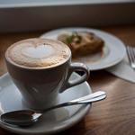 ラ・ノワゼット - LA NOISETTE CAFE BISTRO (ラ ノワゼット カフェ ビストロ) カプチーノ