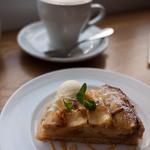 ラ・ノワゼット - LA NOISETTE CAFE BISTRO (ラ ノワゼット カフェ ビストロ) リンゴのタルト