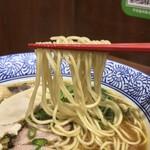 112718396 - 麺や而今(じこん)(大阪府大東市灰塚)あっさり醤油 芳醇醤油鶏そば(並)