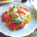 カフェ・ビアレストラン エル・トマ - トマトのサラダ(580円)