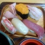 112729426 - 梅セットのお寿司