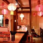 TAIWAN CAFE&BAR 台湾ケンタ - 台湾の夜市をイメージした空間