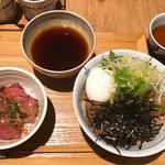 112733003 - 【ピリ辛肉蕎麦/牛たたき丼  ¥1.180】
