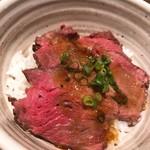 112733031 - 【ピリ辛肉蕎麦/牛たたき丼  ¥1.180】