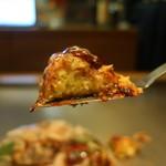 鉄板焼きaja彩 - お好み焼き(ぶた・いか)リフトアップ