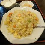 中国家常菜 同心房 赤羽店 - 半チャーハンでも量が多い
