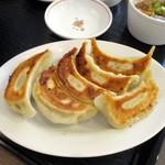 本場中華食堂 味道 - 餃子