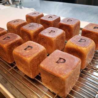 トスカーナ産栗粉を練り込んだ自家製食パン