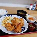 家ごはん れんこん - 料理写真:からあげ6個定食 700円(税込)。