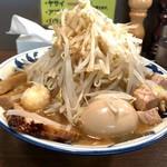 豪麺 マルコ - 特小ラーメン(太麺・野菜・ニンニク)+角切りチャーシュー(680円+Hot Pepper クーポン)