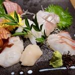 112760949 - 金沢直送の鮮魚 刺身7種盛り