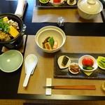 友家ホテル - 料理写真:夕食のファーストセッティング