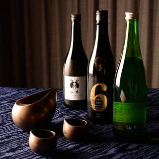 種類豊富なナチュールワインと日本酒