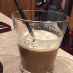 丸海屋 離 - 食後のコーヒーは無料セルフサービス