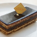 パティスリー・スリール - オペラ(450円)♪繊細な造りのケーキ。