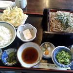 清水庵 - 野菜かき揚げ付きざる定食