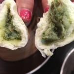 中国四川料理 道 - 野菜まんの中身。