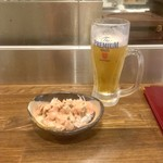 日本栄光酒場 ロッキーカナイ - お通し(ケバブサラダ)/生ビール