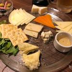 原価ビストロチーズプラス - チーズ盛り合わせ