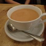 カンテグランデ - 大きいカップのミルクティー お連れ様のん