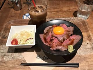 肉が旨いカフェ NICK STOCK 横浜ポルタ店 - 全貌