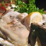 スペイン魚介バル - 【特大】岩牡蛎