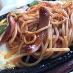 リラ - 料理写真:鉄板イタリアンスパゲティ