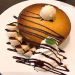 オランダ坂珈琲邸 - 料理写真:バナナ&チョコソース ホットケーキ