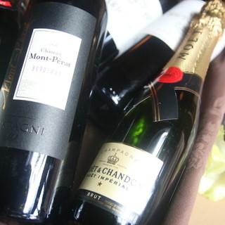日本酒・地酒・ワインと。ドリンクも幅広くご用意しております☆