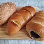 パン工房 半原パン - 料理写真:カレーパン、クリームパン、チョココロネ