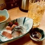 大衆天ぷら まねき屋 - 大衆天ぷら まねき屋@すすきの 刺身三点盛り、緑茶割り(480円外税+晩酌セットの2杯目)