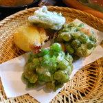 11283075 - 季節野菜とお豆の天婦羅