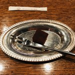 112831478 - ☆サービスで洋酒入りのケーキをいただきました^ ^